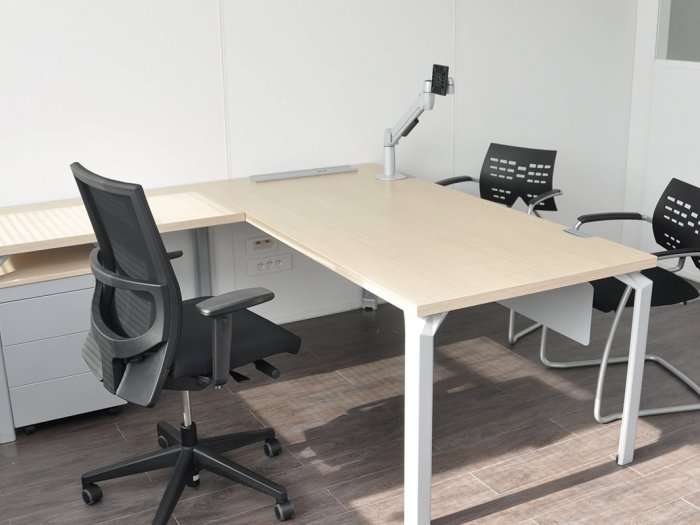 Amnagement bureaux montpellier for Mobilier bureau 64